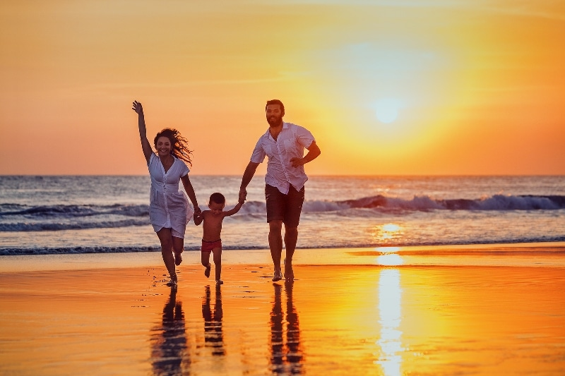Grand Solmar Timeshare Highlights Top Travel Tips for Parents Traveling with Kids this Fall